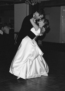 Chris and Karin Claisse's First Dance